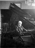 0013195 © Granger - Historical Picture ArchiveJEAN SIBELIUS (1865-1957).   Finnish composer. Photographed in his country retreat, Villa Ainola, at Jarvenpää, outside Helsinki.