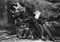 0004626 © Granger - Historical Picture ArchiveOSCAR WILDE (1854-1900).   Irish writer and wit. Photographed in 1882 by Napoleon Sarony at the beginning of Wilde's American tour.