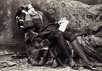 0085917 © Granger - Historical Picture ArchiveOSCAR WILDE (1854-1900).   Irish writer and wit. Photographed in New York, 1882, by Napoleon Sarony at the beginning of Wilde's American tour.