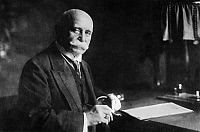 0123918 © Granger - Historical Picture ArchiveFERDINAND VON ZEPPELIN   (1838-1917). Count Ferdinand von Zeppelin. German soldier, aeronaut and airship designer. Photograph, 1910s.