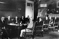 0001287 © Granger - Historical Picture ArchiveWOODROW WILSON & CABINET.   President Woodrow Wilson and his Cabinet, including Treasury Secretary William Gibbs McAdoo (second from left); U.S. Attorney General Thomas Gregory (third from left); and Secretary of State Robert Lansing (center, in light suit).