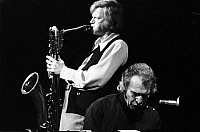 0399086 © Granger - Historical Picture ArchiveJAZZ MUSIC.    Gerry Mulligan & Dave Brubeck of the Dave Brubeck Quartet performing at the Berliner Jazztage, October 1970. Gerald Joseph Mulligan, American jazz saxophonist, clarinetist and composer, 6 April, 1927 - 20 January, 1996. David Warren Brubeck, American jazz pianist and songwriter, born 6 December, 1920. Full credit: JazzSign / Lebrecht Music