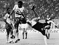 0131307 © Granger - Historical Picture ArchiveWORLD CUP, 1974.   Denis Law of Scotland and the Zaire Leopards in the 1974 World Cup, held in West Germany.