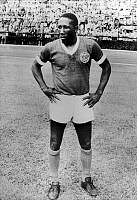 0131560 © Granger - Historical Picture ArchiveDJALMA SANTOS (1929-2013).   Brazilian soccer player. Photographed while playing with the Sociedade Esportiva Palmeiras in Sao Paulo, Brazil, 1966.