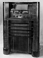 0175894 © Granger - Historical Picture ArchiveRCA VICTOR RADIO, c1937.   An RCA Victor Model 813-K radio, c1937.