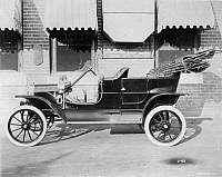 0030106 © Granger - Historical Picture ArchiveMODEL T FORD, 1908.