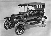 0030108 © Granger - Historical Picture ArchiveMODEL T FORD (1921).