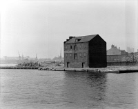 0352129 © Granger - Historical Picture ArchiveBALTIMORE: FELL'S POINT.   Levering Coffee Warehouse on Philpot Street, Fell's Point, Baltimore, Maryland. Photograph by Louise Taft, September 1985.