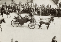 0623052 © Granger - Historical Picture ArchiveCHICAGO: ROOSEVELT VISIT.   President Theodore Roosevelt riding in a horse-drawn carriage along a parade route in Chicago, Illinois. Photograph, c1903.