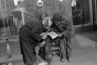 0623063 © Granger - Historical Picture ArchiveCHICAGO: CHILDREN, 1941.   African American children reading a comic book together in Chicago, Illinois. Photograph by Edwin Rosskam, July, 1941.