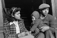 0623069 © Granger - Historical Picture ArchiveCHICAGO: FAMILY, 1941.   An African American family in Chicago, Illinois. Photograph by Edwin Rosskam, July 1941.