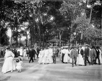 0623172 © Granger - Historical Picture ArchiveCHICAGO: LINCOLN PARK, c1907.   Band concert at Lincoln Park in Chicago, Illinois. Photograph by Hans Behm, c1907.