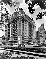 0076274 © Granger - Historical Picture ArchivePLAZA HOTEL, c1960.   The Plaza Hotel, Central Park South (59th Street) and Fifth Avenue, New York City. Photographed c1960.