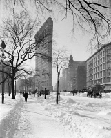 0325543 © Granger - Historical Picture ArchiveNEW YORK: FLATIRON, c1905.   View of the Flatiron Building after a snow storm in New York City. Photograph, c1905.
