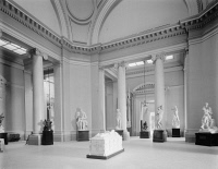 0408209 © Granger - Historical Picture ArchiveBROOKLYN MUSEUM, c1910.   The dome room at the Brooklyn Museum, Brooklyn, New York. Photograph, c1910.