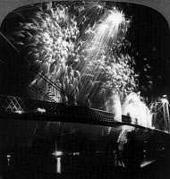 0409556 © Granger - Historical Picture ArchiveWILLIAMSBURG BRIDGE, c1904.   A display of fireworks to celebrate the opening of the bridge, looking from Manhattan to Brooklyn, New York. Photograph, c1904.