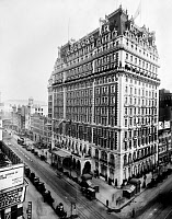 0428643 © Granger - Historical Picture ArchiveKNICKERBOCKER HOTEL, c1905.   View of the Knickerbocker Hotel, New York City. Photograph, c1905.