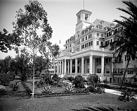 0259853 © Granger - Historical Picture ArchiveROYAL POINCIANA HOTEL, c1902.   The Royal Poinciana Hotel in Palm Beach, Florida. Photograph by William Henry Jackson, c1902.