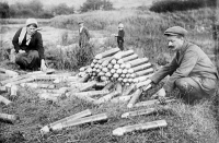 0353561 © Granger - Historical Picture ArchiveWWI: AMMUNITION, 1914.   Civilians looking at artillery shells abandoned by the German military at the Battle of the Marne near Paris, France. Photograph, 29 October 1914.