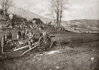 0408046 © Granger - Historical Picture ArchiveWORLD WAR I: ITALIAN FRONT.   Italian artillery on the Monte Grappa front during World War I. Photograph, c1917.