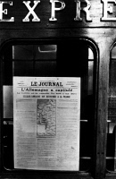 0622279 © Granger - Historical Picture ArchiveWWI: ARMISTICE, 1918.   A French newspaper announcing the capitulation of Germany at the end of World War I hangs from the railroad car in which the armistice between the Allies and Germany was signed. Photograph, 1918. Full Credit: Ullstein Bild / Granger, NYC. All Rights Reserved.