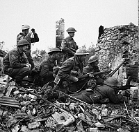 0216588 © Granger - Historical Picture ArchiveWWII: CANADIAN TROOPS, 1943.   Infantrymen of the 48th Highlanders of Canada preparing to attack on the Italian front near San Leonardo di Ortona. Photograph, 10 December 1943.
