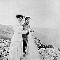0350284 © Granger - Historical Picture ArchiveNICHOLAS II & ALEXANDRA.    Russian Emperor Nicholas II and Empress Alexandra Feodorovna on the mountain Ai-Petri in Crimea, 1909. Photograph from the collection of the Moscow History Museum. Full credit: ITAR-TASS Photo Agency / Granger, NYC -- All Rights Reserved.