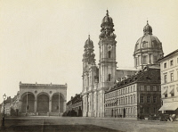 0350859 © Granger - Historical Picture ArchiveGERMANY: MUNICH.   The Feldherrnhalle and Theatinerkirche in Munich, Germany. Photograph, c1900.