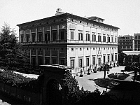 0095938 © Granger - Historical Picture ArchiveROME: PALAZZO FARNESE.   Exterior view of the Palazzo Farnese in Rome, Italy, designed by Baldassare Peruzzi, early 16th century. Photograph, early 20th century.