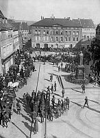 0095214 © Granger - Historical Picture ArchiveCAPTURED COMMUNISTS, 1921.   Reichswehr troops and German security police with captured Communist party leaders in the market square of Eisleben, Germany, following a street battle, March 1921.