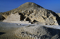0415365 © Granger - Historical Picture ArchiveARCHAEOLOGY.    Pyramid of Unis, Saqqara Necroplis, Memphis (Unesco World Heritage List, 1979), Egypt. Egyptian civilisation, Old Kingdom, Dynasty V. Full credit: De Agostini / A. Dagli Orti / Granger, NYC -- All rights reserved.