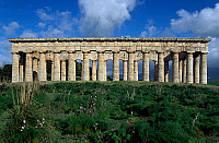 0417118 © Granger - Historical Picture ArchiveARCHAEOLOGY.    Temple of Segesta, Sicily, Italy. Greek civilisation, 5th century BC. Full credit: De Agostini / L. Romano / Granger, NYC -- All rights reserved.