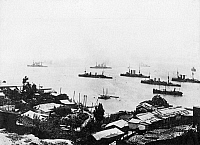 0565747 © Granger - Historical Picture ArchiveCHILE.   The cruiser squadron under Admiral Speer leaves the Chilean port of Valparaiso, in which it had entered the coal bunkers after the Battle of Coronel. In the background from left: The cruisers 'Scharnhorst', 'Gneisenau' and 'Leipzig'. Full credit: Scherl / Süddeutsche Zeitung Photo / Granger, NYC -- All rights reserved.