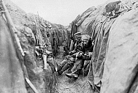 0567822 © Granger - Historical Picture ArchiveFRANCE.   German infantry men have their breakfast in one of trenches of the Western Front of World War I. Full credit: Scherl / Süddeutsche Zeitung Photo / Granger, NYC -- All rights reserved.