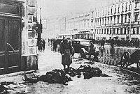 0598546 © Granger - Historical Picture ArchivePEOPLE.   Russian civilians shot by German soldiers in a surprise attack in Leningrad, whilst queuing for food, 1942 (b/w photo). Full credit: Scherl / Süddeutsche Zeitung Photo / Granger, NYC -- All rights reserved.