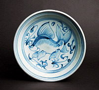 0608391 © Granger - Historical Picture ArchiveVIETNAM.   Blue and White Fish Plate with fanciful depiction of flounder like fish with extravagant fins swimming amongst water plants. Later L?¬ Dynasty (1533-1788). Full credit: Pictures from History / Granger, NYC -- All rights reserved.