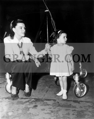 Image of JUDY GARLAND ET LIZA MINNELLI  - Judy Garland With