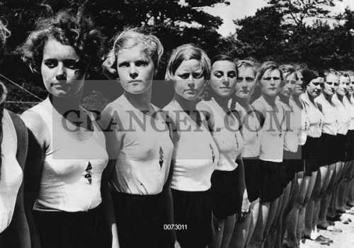German girls nazi youth