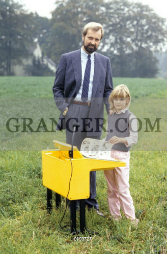 Image Of Entrepreneur Reinhard Floetotto Reinhard Floetotto Entrepreneur Germany Owner Of The Furniture Manfacturer Floetotto With His Daughter Frederike 03 10 1983 No Commercial Use Ullstein Bild Id 00936109 From Granger Historical
