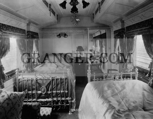 Uberlegen ECONOMY. England, The New Royal Train, Kings Bedroom With Prince Symboles,  About