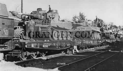 Image of WORLD WAR II: GERMAN TANK  - German Panzer VI
